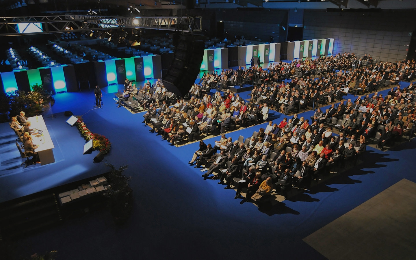MEETING & CONVENTION